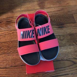 New Women's Nike Size 7 Tanjun Sandals Ember Glow.